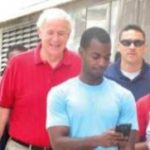 Mayor Barrett walks with Teens from the Earn and Learn Program to Promote Healthy Lifestyles