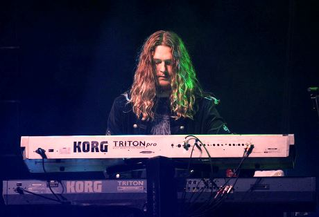 How many keyboardists has Black Sabbath had? Who were just session musicians and who went on tour?